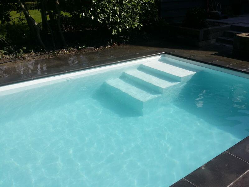 zwembad inlooptrap Rozendaal